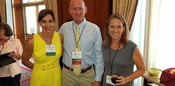 Vance and Laurie Wright Meet Senator Jill Vogel